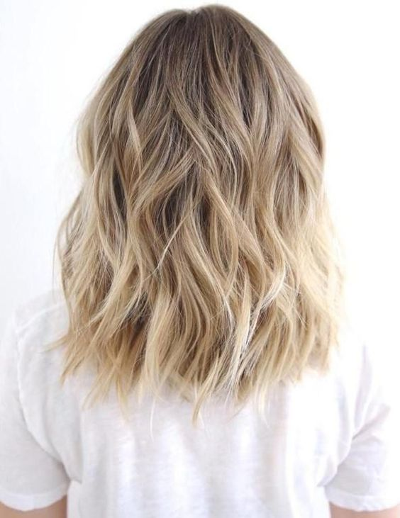 Textured, blonde bob
