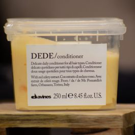 Showcase of the Dede Conditioner