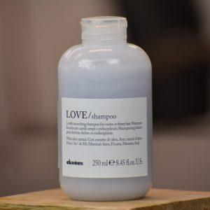 Love Smoothing Shampoo